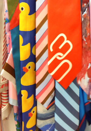 галстуки-с-этикеткой-и-петелькой